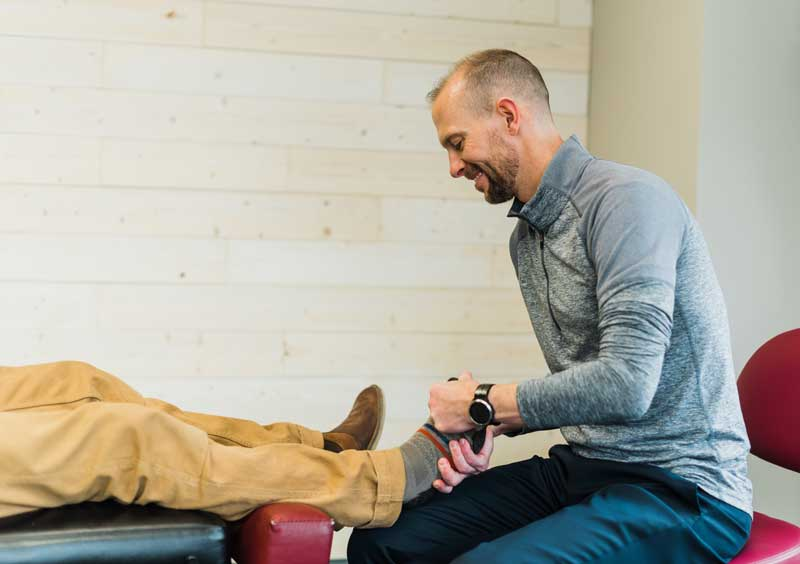 ankle chiropractic adjustment